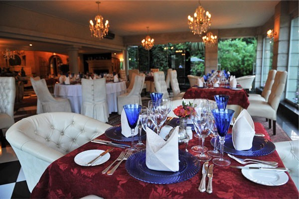 Fairlawns Hotel dinner setting