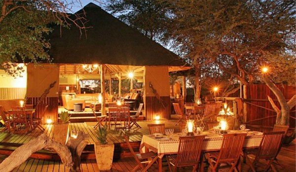 Haina Kalahari Lodge - Dining area