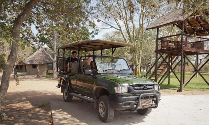 sunsafaris-9-xanatseni-private-camp