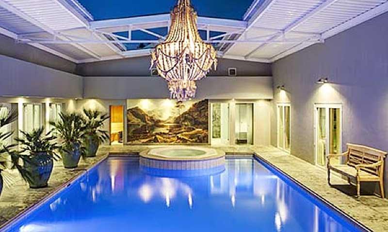 Majeka House Pool