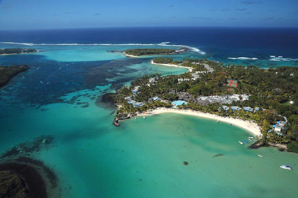 Shandrini Resort Beach