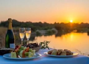 Locations: Winning Safari Sundowners