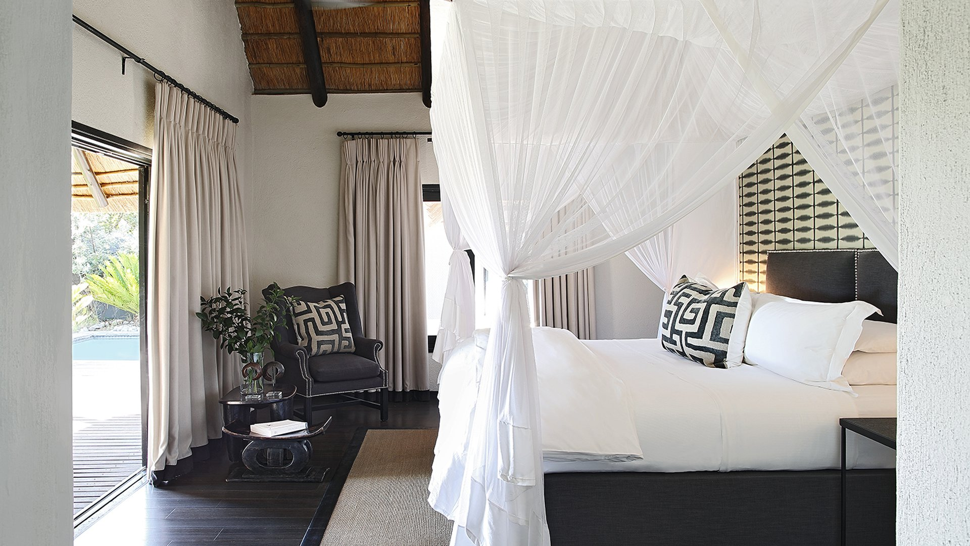 Londolozi Granite Suites Bedroom