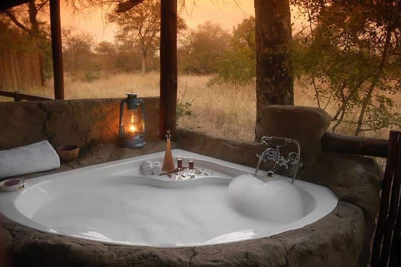 Chapungu Jacuzzi in Safari Lodge