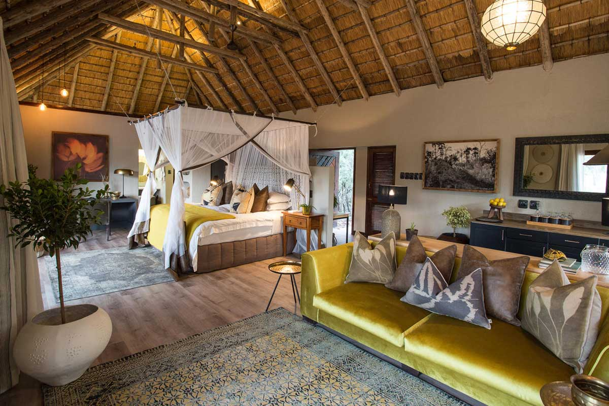 Simbambili Lounge in Suite