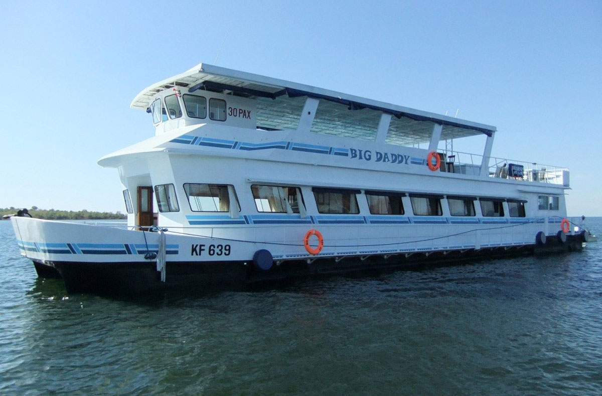 Big Daddy Kariba Houseboat