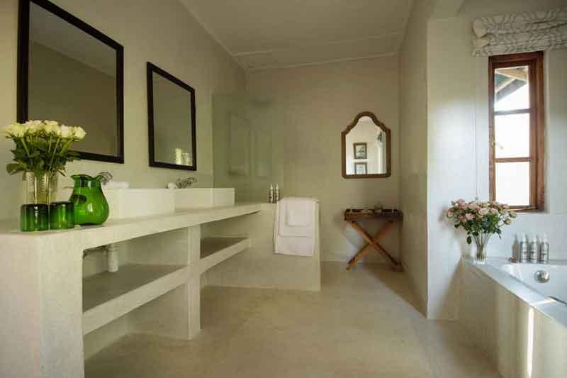 Bathroom Loldia