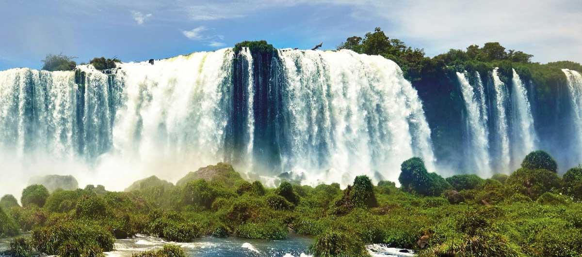 Views of Igaussu Falls