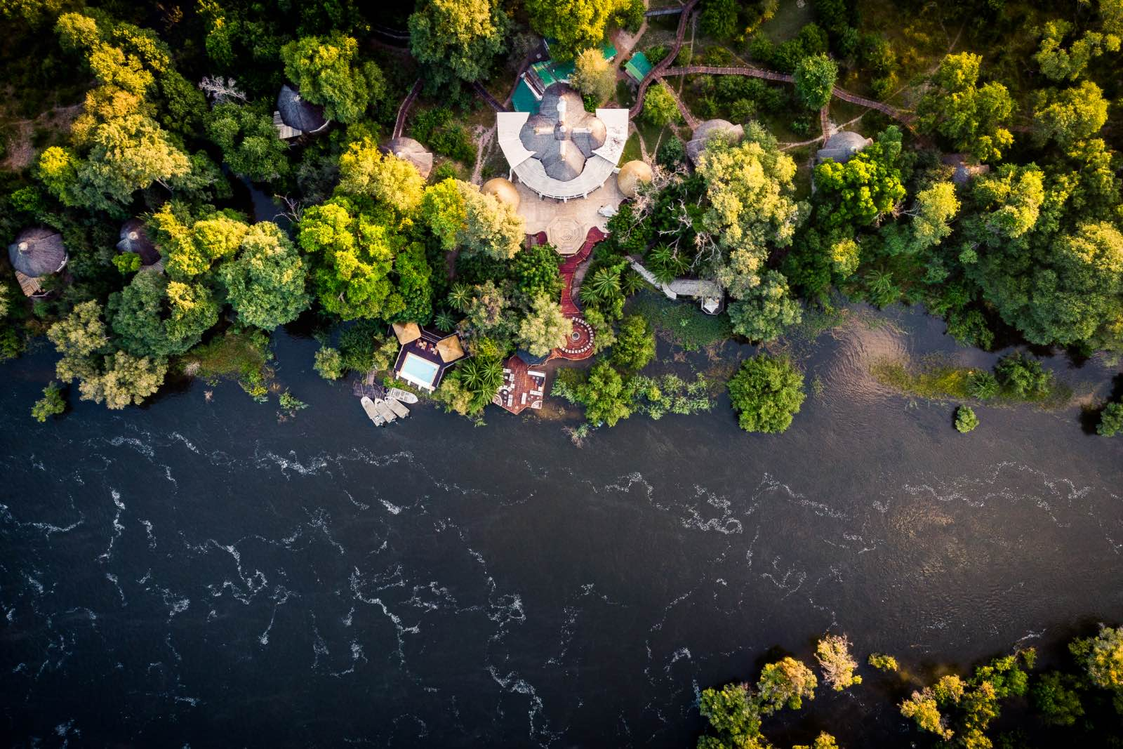 Sussi & Chuma Zambezi River location