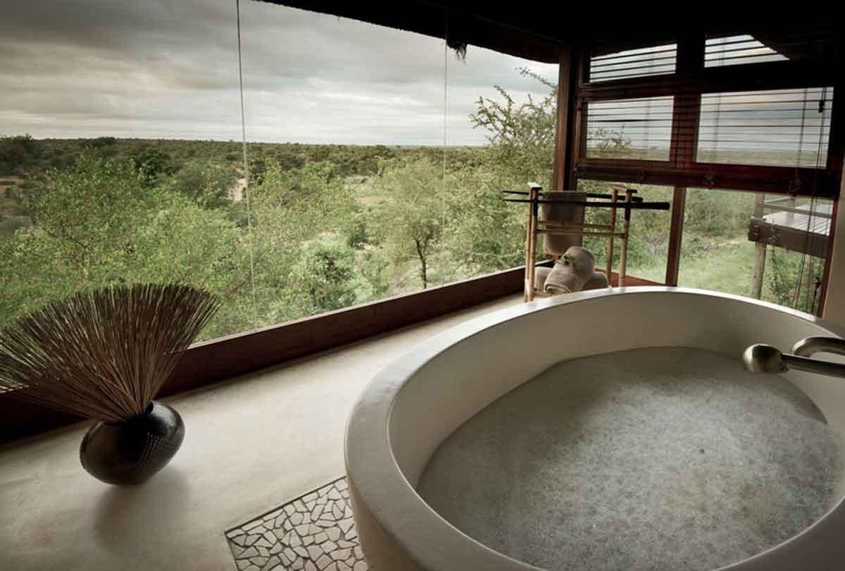 Makumu Bathtub