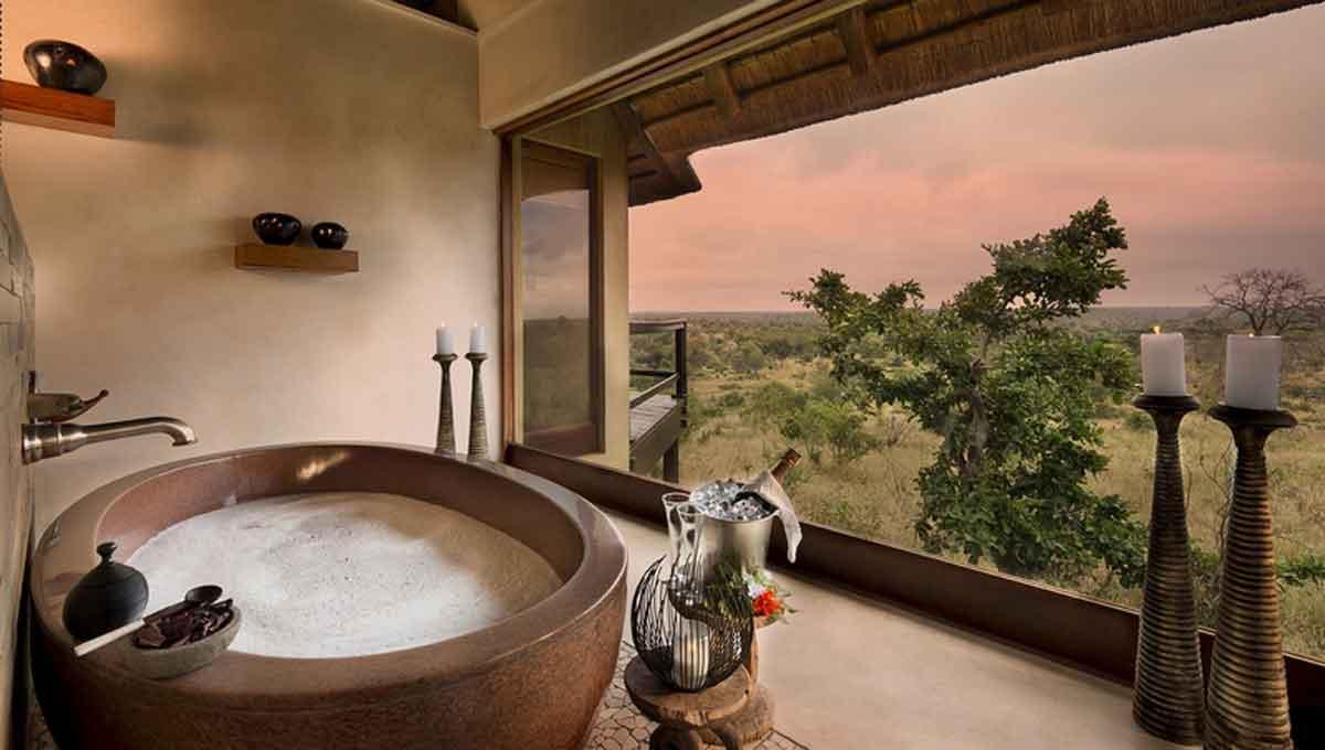 Makumu Bathtub with a View