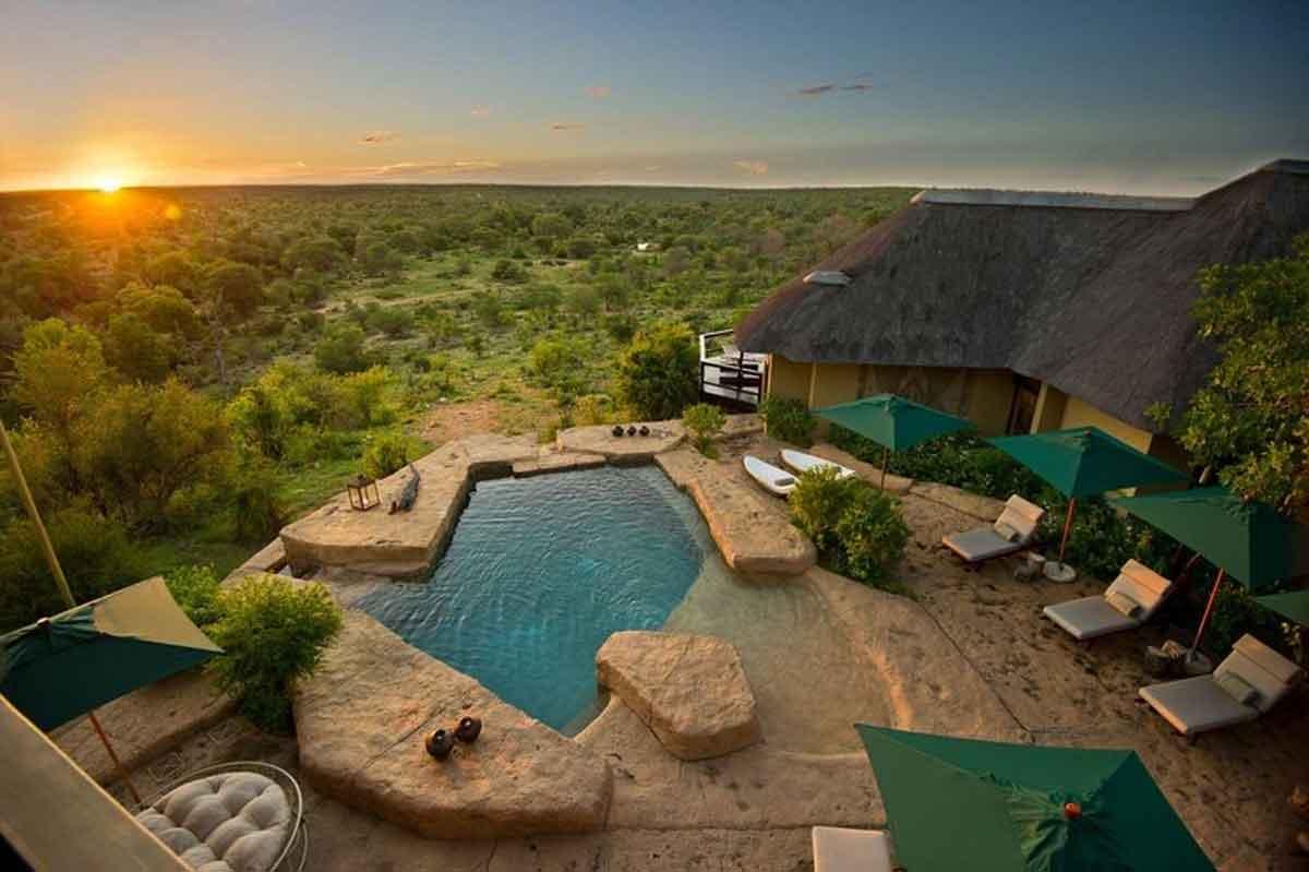 Makumu Lodge Swimming Pool