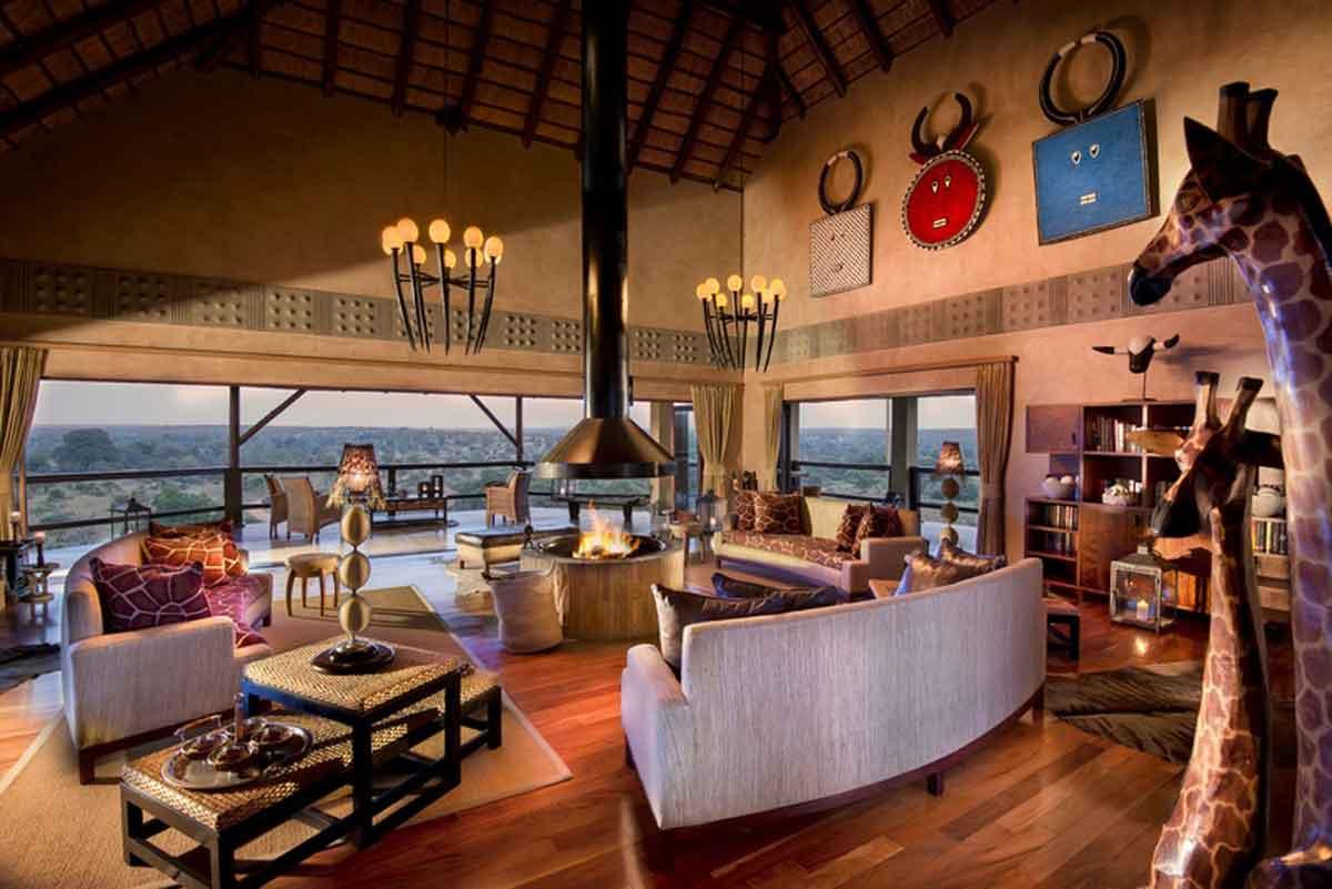 Makumu Lounge with a View