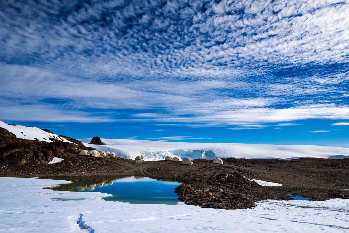 Fields of Snow in the Polar Regions