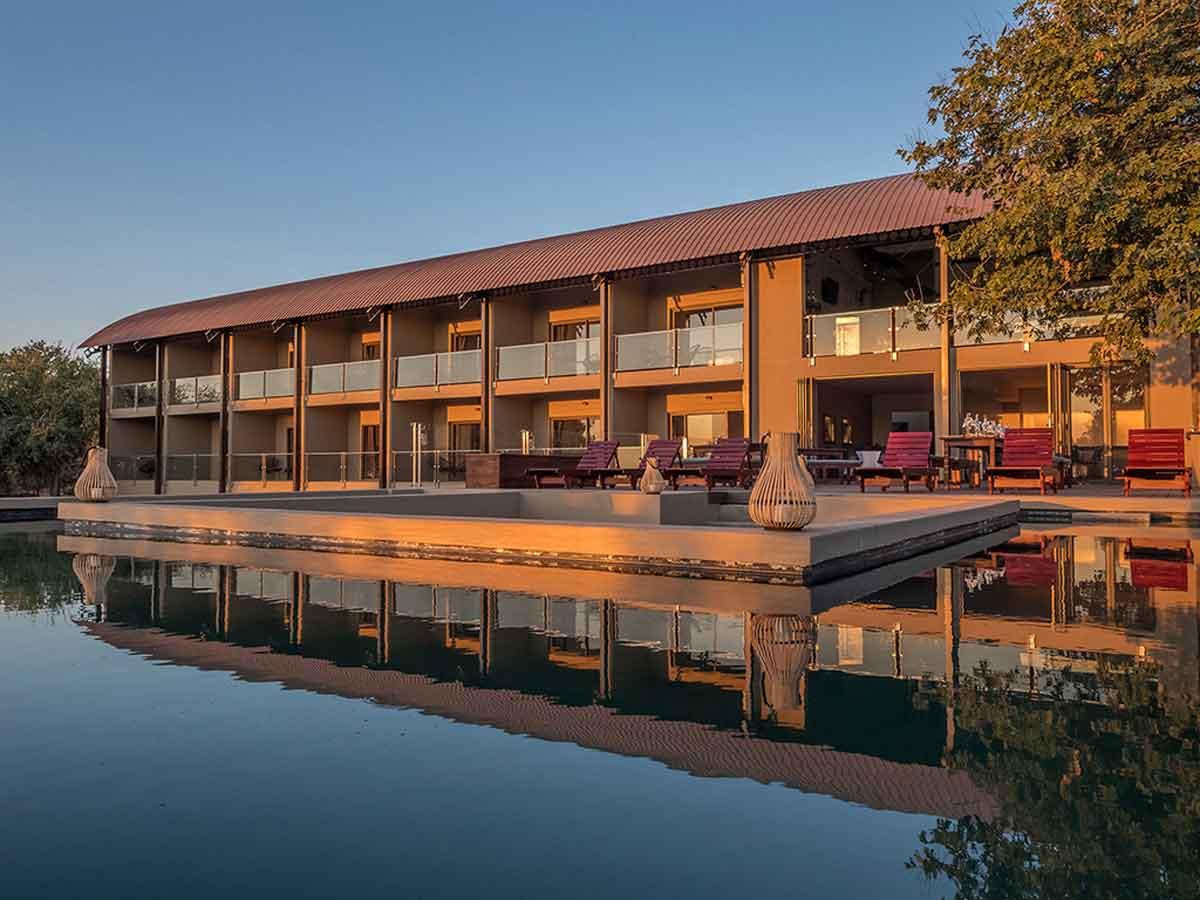 Pangolin Hotel Chobe Water Lodge