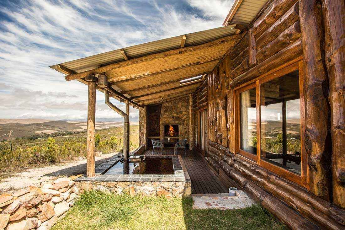 Kolkol mountain lodge cabins in the middle of the Overberg