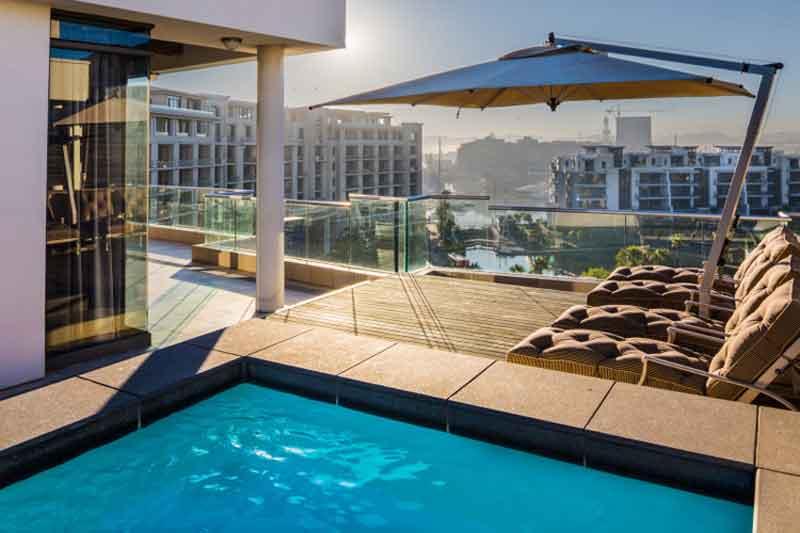 Pool at Lawhill Apartments