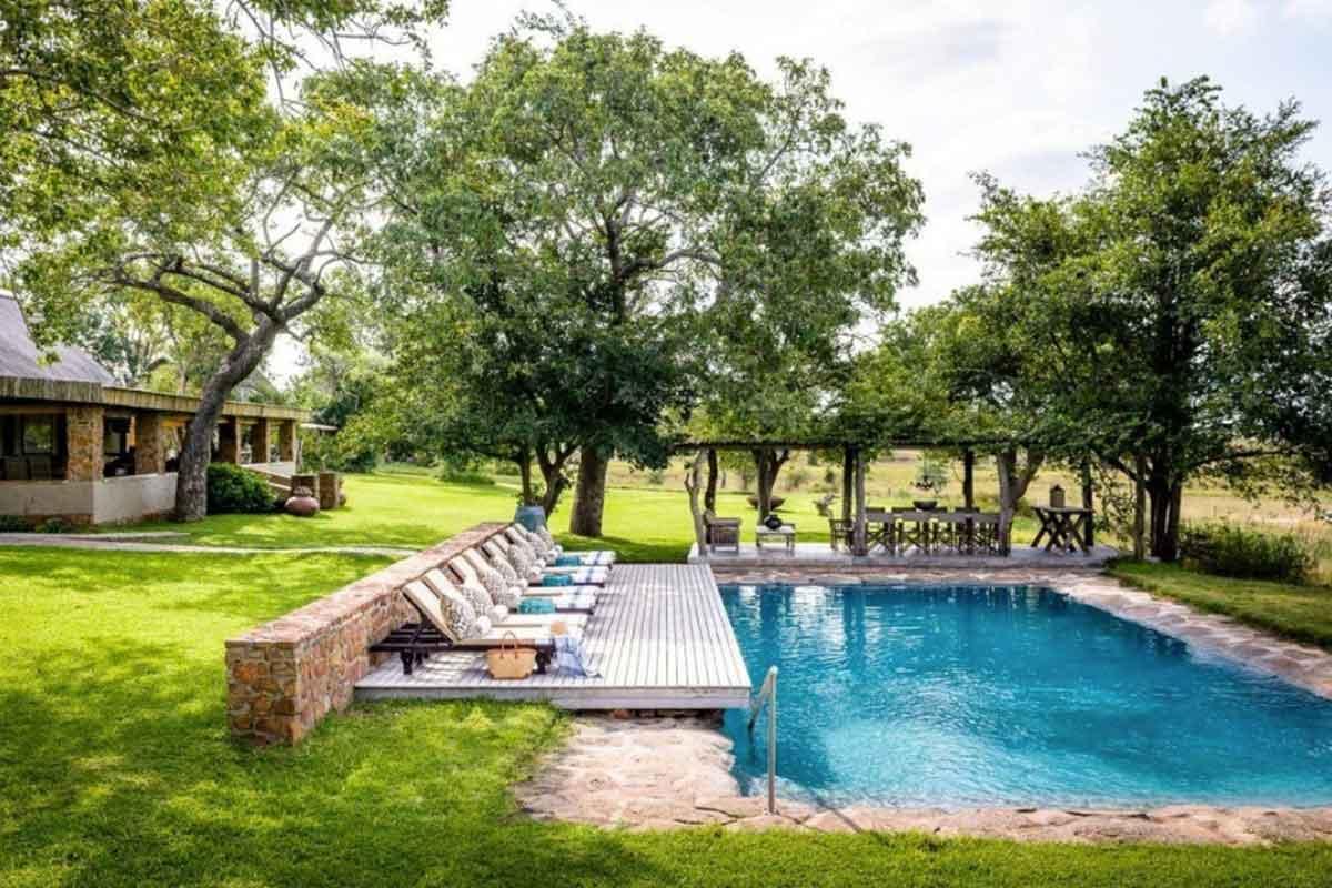 Castleton Swimming Pool
