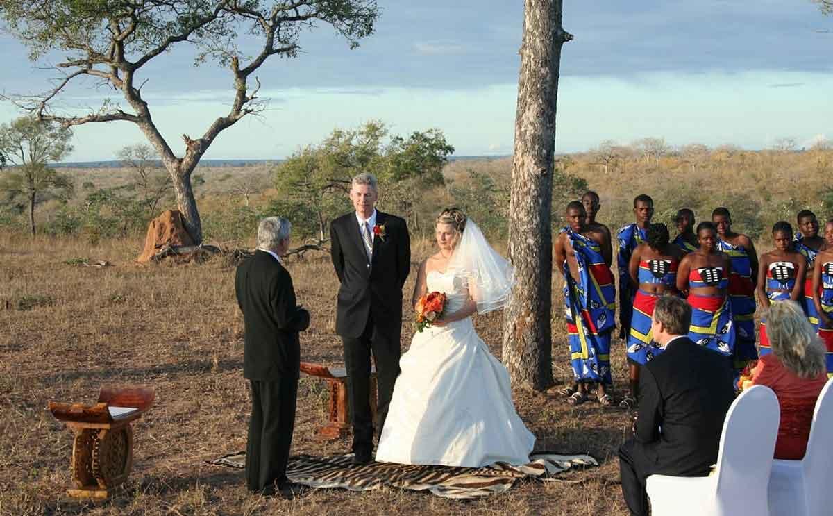 Sabi Sabi Wedding Dancing