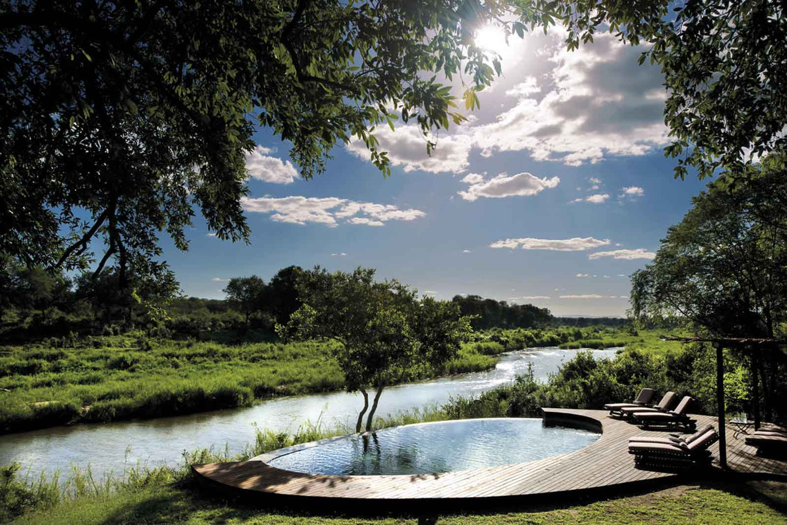 Tinga Lodge Swimming Pool