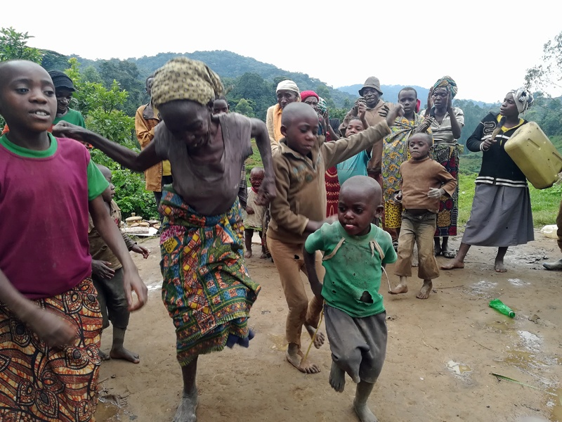 Traditional dancing by Batwa